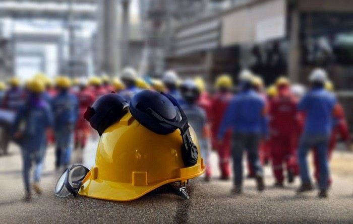 Mejoras-en-la-seguridad-laboral-del-sector-minero-700x445-1